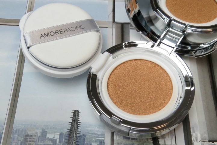 AmorePacific Color Control Cushion Compact Review Shade 102